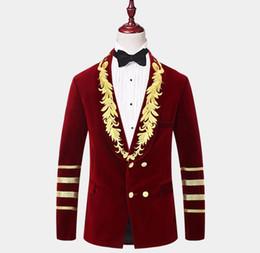 Argentina Chaqueta de esmoquin bordada en oro de terciopelo borgoña de caballero 2020 trajes para hombre de moda solo una pieza por encargo abrigo para hombre cheap custom embroidered jackets Suministro