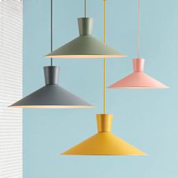 Deutschland Esszimmer Kronleuchter einkopfigen Farbe Makaron Cafe Net Cafe Tischlampe Topf Deckel einfache Esszimmerlampe supplier chandelier covers Versorgung