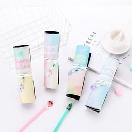 Pluma de fantasía online-12 piezas Fantasy Color Kawaii Unicornio Bolsas de rollo de lápiz grandes para útiles escolares Bolsas de lápices lindas Maquillaje Estuche de cuero de regalo