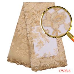 2020 pizzo africano brillante Brillante velluto Nuovo Paillettes tessuti ricamati Material merletto africano di Tulle Paillette dell'oro del merletto di sequenza da sposa più recenti 2019 XZ1759 pizzo africano brillante economici