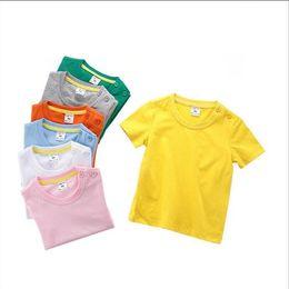 T da moda criança on-line-Roupa dos miúdos Do Bebê Sólidos Camisetas Meninos Verão de Manga Curta Encabeça Meninas de Algodão Casuais Camisas Da Criança Boutique Tees Moda Esportes Blusas B5573
