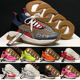 Progetta scarpe italiane online-Luxury Croce Chainer scarpe da tennis per gli uomini pattini casuali delle donne 2019 Design Italiano Marchio 2,0 Volt nero bianco degli addestratori all'aperto calza il formato 36-45