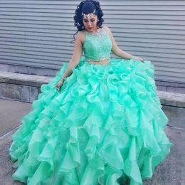 2019 vestido coral pieza 15 Mint mascarada de 2015 vestidos de quinceañera Vestido de fiesta de 2 piezas Vestido de fiesta Princesa Puffy Ruffles Organza encaje Dulce 16 Vestidos Vestidos 15 años vestido coral pieza 15 baratos