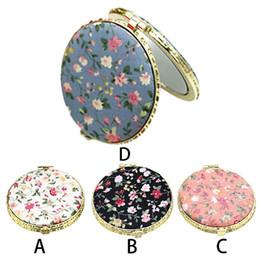 Косметика в стиле винтажа онлайн-1Pc Mini Round Pocket Folding  Mirror Vintage Double Sides Floral Printed Chinese Style Compact Cosmetic Tool Portable
