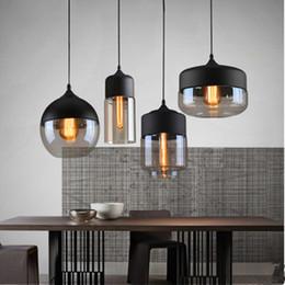 2019 levou luz lâmpada negra Loft moderno Nordic Luzes Pingente De Vidro Criativo LEVOU carro E27 Cafe Restaurante quarto Preto Branco pendurado lâmpada levou luz lâmpada negra barato