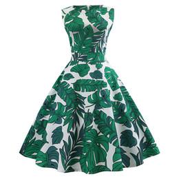 2019 tropische kleider frauen Kenancy Tropical Leaf Print ärmellose Sommer Vintage Kleid Frauen hohe Taille A-Line Retro Kleid 60er Jahre Rockabilly Party Vestidos rabatt tropische kleider frauen
