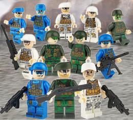 Canada Livraison gratuite gros blocs jouet militaire garçon force terrestre force aérienne et marine jeu de rôle pour les enfants un ensemble 12pcs avec arme Offre