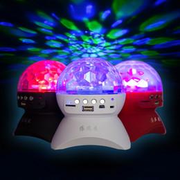 L'étape de haut-parleur de Bluetooth s'allume avec le chargement USB de la lumière disco de club de DJ de cristal d'effet de boule de cristal magique allumant la partie disco l'éclairage avec / radio de TF / FM ? partir de fabricateur