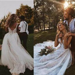 spitzen-nacktkleid Rabatt 2019 Neue Romantische Volle Spitze Böhmische Brautkleider Sheer Mesh Top Applique Backless Sweep Zug Hochzeit Brautkleider