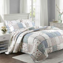 Baumwoll-blumen-bettdecke online-Qualität Floral Quilt Set 3 STÜCKE Gesteppte Bettwäsche Wash Cotton Quilt BedCover Aircondition Tagesdecke Kissenbezug King Size Bettdecke