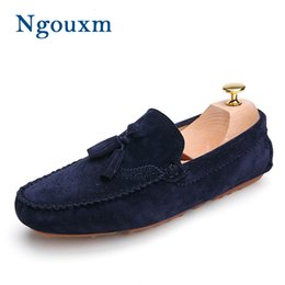 Mocassini azzurri online-Ngouxm Uomini Mocassini Navy Blue Vera Pelle Mocassini Slip On pattini casuali nappa Uomo Maschile Flats Mocassino Driving ShoesMX190907