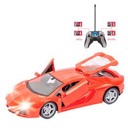 Abertura da porta do flash on-line-Novo design rc 1:18 piscando rc modelo de deriva carro 4ch controle remoto drift cars bateria recarregável uma chave porta aberta com controle de rádio