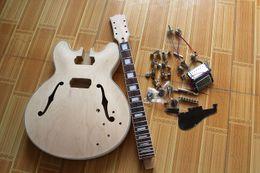 El kit de guitarra eléctrica de madera natural semihueda personalizada de Factory (partes) con hardware de Chrome, guitarra semiacabada de bricolaje, oferta personalizada desde fabricantes