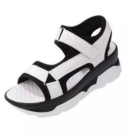 Argentina A estrenar Moda mujer zapatos estilo europeo sandalia zapatos sandalias planas zapatos casuales color a juego plataforma chanclas Suministro