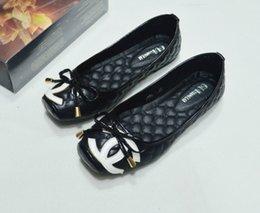 2019 tacones de playa sexy Nuevas sandalias de las mujeres Zapatos de los planos Zapatillas de playa Zapatillas de tacón alto atractivas Moda para mujer Sandalias casuales Señoras chanclas por mayor tacones de playa sexy baratos