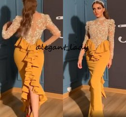 Langärmelige moderne abendkleider online-Yellow Arabic Aso Ebi Evening Dresses 2020 Modern High Neck Ruffles Back Mermaid Long Sleeve Lace Stain Sexy Prom Reception Party Gown