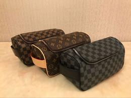 2019 gros sacs de toilette pour femmes Nouvelle arrivée femmes voyageant trousse de toilette design de mode femmes sac de lavage grande capacité sacs de maquillage maquillage trousse de toilette