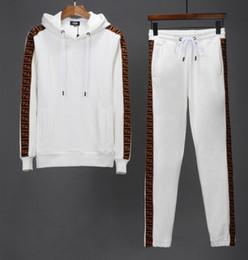 Hood homens s roupa on-line-High-end camisola Moletons Sweat Suit Hoodies dos homens marcas T-shirt Roupas Fatos de Treino dos homens Jaquetas Sportswear Define Jogging Ternos Hood