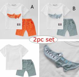 Trajes de cocodrilo online-INS Baby Boys 3D Crocodile Set Ropa Verano Niños Dibujos animados Animales Top Camiseta + 100% algodón Shorts Pant 2PC Outfits Kid Boutique Costume