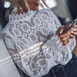 Colar de renda branca blusa on-line-Elegant White Lace Blusa Sexy Camisa Blusa oco Out Bordado Feminino Mulheres Long Sleeve lanterna Levante Verão Collar Tops Feminino