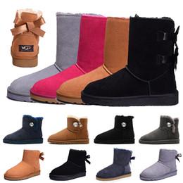 Botas clásicas de cuero negro online-2019 UGG WGG zapatos Australia botas de invierno para mujer castaño negro azul rosa diseñador de café botas de piel de nieve para mujer tobillo botas hasta la rodilla