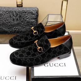 cuñas coreanas tacones sandalias Rebajas 2019 Mens Luxury G Designer Ace Zapatos de vestir negros Marrón Gamuza de cuero Mocasines casuales Los hombres se deslizan en los zapatos Oxford puntiagudos con caja