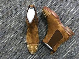 schöne grüne frauen schuhe Rabatt H1018 2020 Modedesigner Herren Boots Rot grundiert Männer Stiefel Junge Designer Schuh-Niet-Partei lädt Winter kostenlose Lieferung