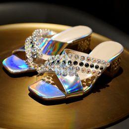 0b9b48fee 2019 sapatos de verão feminino Moda feminina chinelos elegantes sexy beads  pérolas transparentes sapatos femininos confortáveis