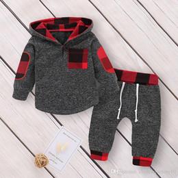 2020 hoodies noirs pour les enfants Survêtement Garçon Filles Survêtement Noir Rouge Cachant À Capuche + Pantalon 2 Pcs Toddler Suits Enfants Bébé Garçons Filles Sweat Vêtements Ensembles Tenue hoodies noirs pour les enfants pas cher