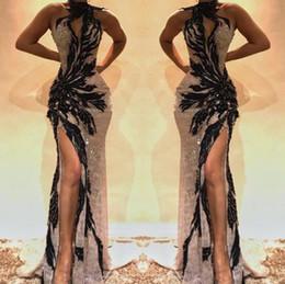 Vestidos de celebridad cerradura online-2019 Split Side High Lace Sirena Vestidos de baile Ojo de cerradura Cuello de cristal con cuentas Sin espalda Vestidos de noche Hollow Out Front Celebrity Dress BC0493