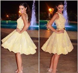 f9be0a5a9f 2019 peplum faldas de los vestidos 2019 Amarillo brillante Una línea  Vestidos de Fiesta Joyas para