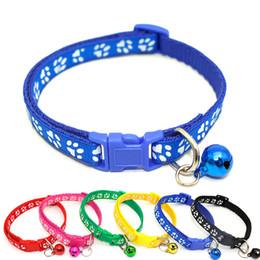 Collari regolabili staccabili dei gatti del collare del gatto del cane di nylon di sicurezza di alta qualità con la larghezza di fascino della zampa di Bling della campana e di larghezza 1.0cm da