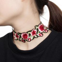 grupo de flores rosa vermelha Desconto Fower chocker colar Étnica rosa cacho colares necklaces elemento personalidade flor vermelha colarinho bordado collier declaração colar