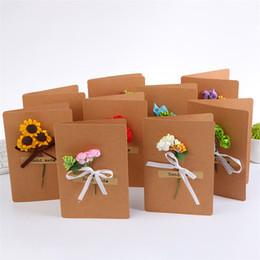 Papeles de acción de gracias online-100 X 16 * 10.9 cm Tarjeta de felicitación hecha a mano Decoración de flores secas 8 diseños DIY Vintage Christmas Thanksgiving Tarjetas de papel Kraft