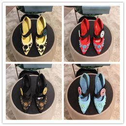 Canada Chaussures de luxe pour femmes au début du printemps Tous les tissus importés avec ornement en perles Des talons sophistiqués pour une tenue d'affaires glamour cheap beaded ornament Offre