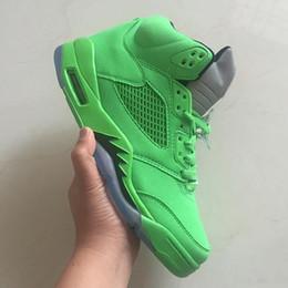 finissage des chaussures Promotion Chaussures de basket-ball pour hommes 5 Sneakers athlétiques vert émeraude un dessus solide vert émeraude fini avec des détails blancs Taille haute qualité US 8-13