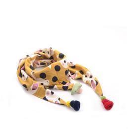 Buena calidad Infantil de dibujos animados triángulo bufanda bebé niñas algodón de lino pañuelo para el cuello niños de color caramelo suave cuello de impresión cuello bufandas desde fabricantes