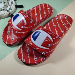 2019 zapatos de kevin durant para niños Campeones para mujer Carta de la sandalia del deslizador de los hombres de verano resbalón en chanclas plataforma de la cuña sandalias de playa de agua de lluvia mulas zapatos 35-44