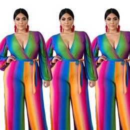Плюс размерные боди онлайн-Плюс размера 3XL 4XL Женщины большегрузной повязки Комбинезоны мода красочная широкая нога Комбинезон с длинным рукавом полоса трико сексуальной глубоким V Rompers 2526