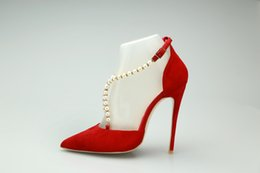 2019 robe de mariée rouge Nouveau luxe rouge perle femmes haut talon cristal chaussures de mariée mariage expédition gratuit Drop pointé chaussures de soirée robe pompes promotion robe de mariée rouge