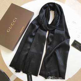 2019 bufanda paisley morada Diseñador bufanda de seda de las mujeres bufanda de lujo carta mujeres primavera verano otoño bufandas finas envuelve tamaño 180x70 cm regalo