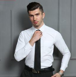 Camicia elegante da uomo in cotone tinta unita classica alta qualità per uomo da