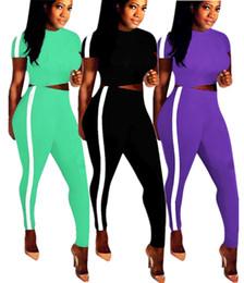 2019 top marche di pants di yoga Champions donna marchio di fabbrica 2 pezzi pantaloni set tuta t-shirt manica corta crop top a righe aderenti leggings pantaloni abbigliamento estivo 95 top marche di pants di yoga economici