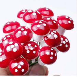 Piante da giardino in miniatura online-50pcs Mini Red Mushroom Garden Ornament Vasi di piante in miniatura Fata DIY Dollhouse Landscape Bonsai Plant