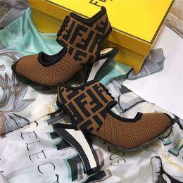 Tacones verdes para mujeres online-2019 Moda de mujer caliente tacones altos sandalias de cuero de gamuza suave casual sandalia negra zapatos señora tacones al aire libre tamaño grande 42 41 40 verde