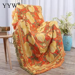 Cotone modello mantello online-Nappe di cotone ponderate Coperta del divano Modello di frutta Coperta di tiro gialla Divano Plaid Coperte Mantello Tessuto per la casa caldo