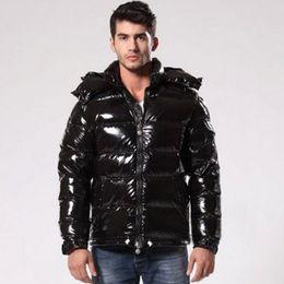 Chaquetas de diseñador para hombre Sudaderas con capucha de invierno Duck Down Chaqueta de abrigo de lujo Espesar Cálidos bolsillos con cremallera negra MAYA Moda Casual Marca Doudoune Homme desde fabricantes