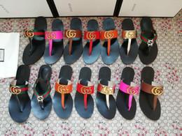 2019 flip flops do natal sapatos casa menwomen diapositivosGucciescorregas mulheres designer de luxo lâminas de envio marca LOGO com o original de fabricação Box Qualidade 221
