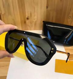 2019 унисекс дизайнер солнцезащитные очки щит M0039 Pilot Shield Солнцезащитные очки Black Green Gold Logo 0039 унисекс Роскошные дизайнерские солнцезащитные очки мужские очки New with Box дешево унисекс дизайнер солнцезащитные очки щит