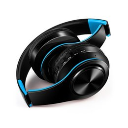 Con el movimiento de la tarjeta de un auricular inalámbrico bluetooth, el estéreo bilateral con cuatro colores tiene negro y azul y blanco desde fabricantes